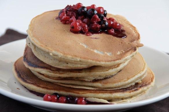 Pancakes à la ricotta et fruits rouges